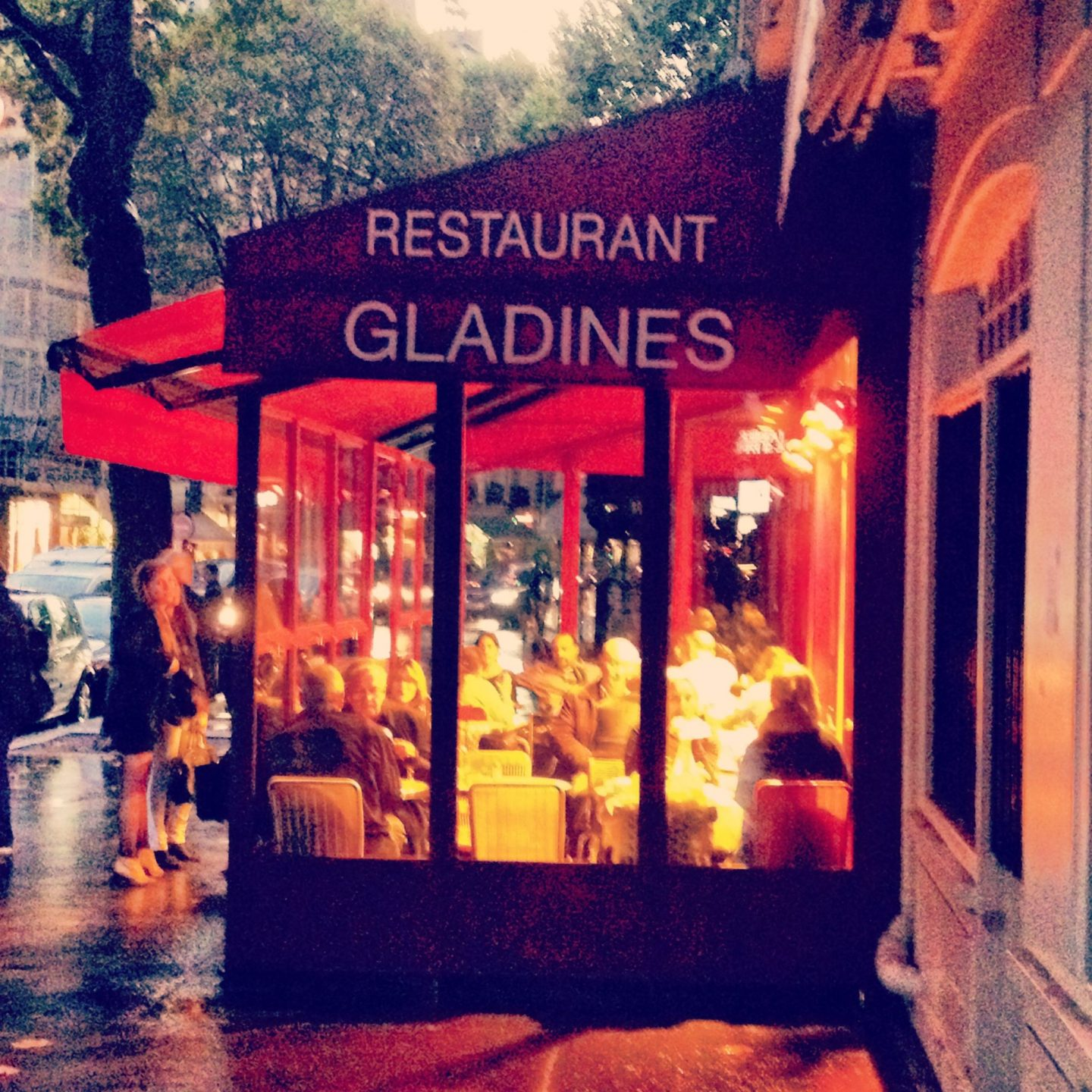 Solo dining @ Chez Gladines restaurant, Paris