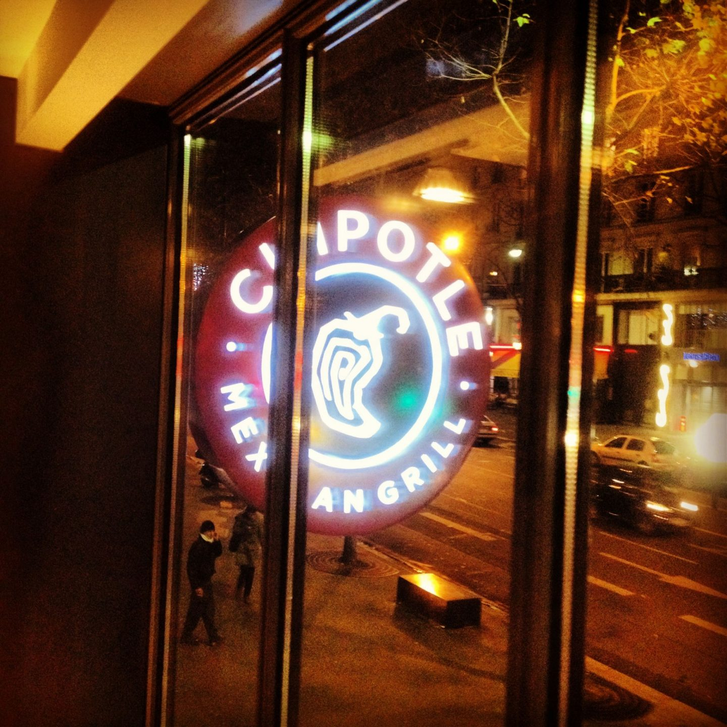 Solo dining @ Chipotle, Mexican Grill, Paris