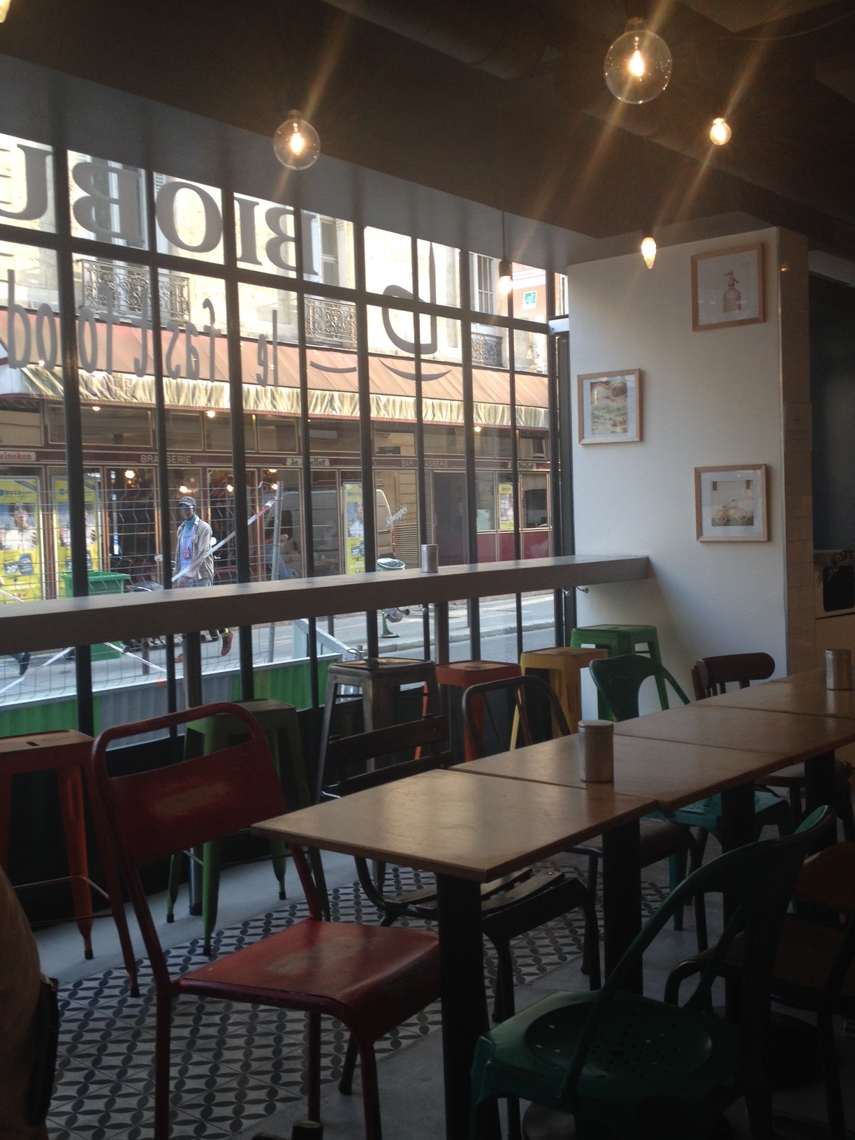 When only organic remains – solo dining @ Bioburger, Paris
